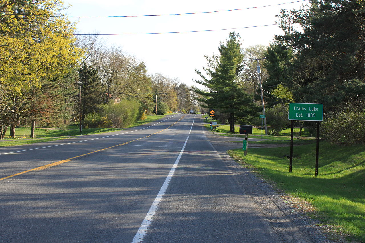 1280px-Plymouth_Road_Facing_East_in_Frains_Lake_Michigan